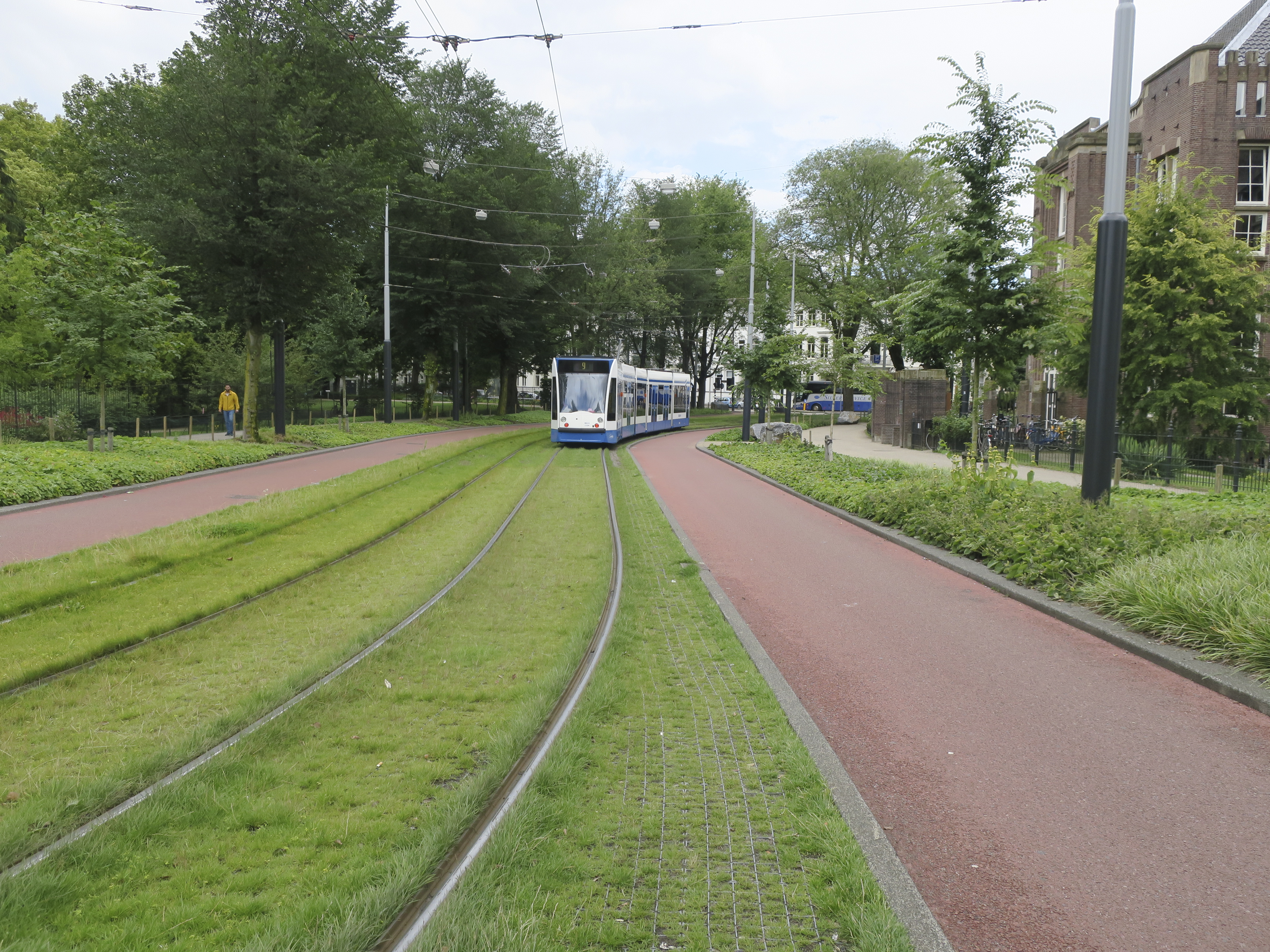 tram right-of-way