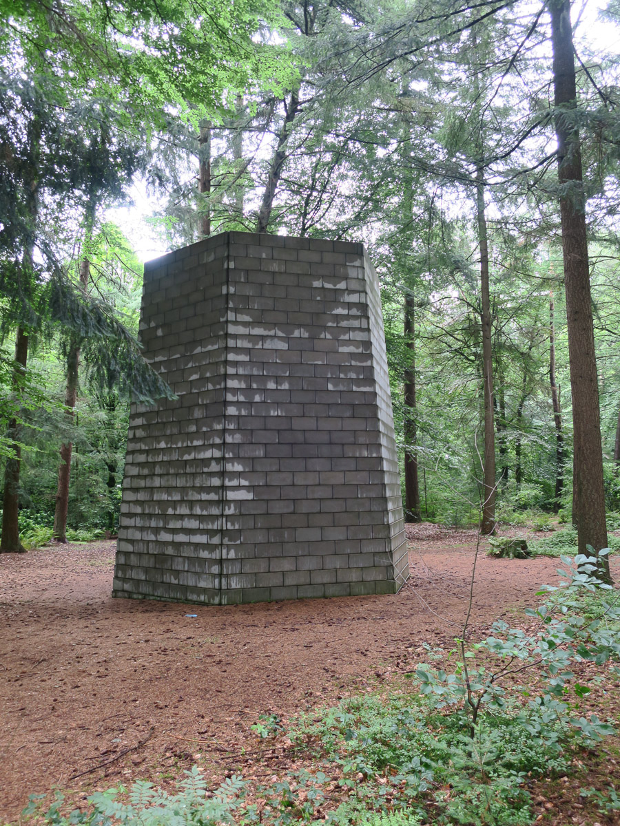 Sol Lewitt, Six Sided Tower